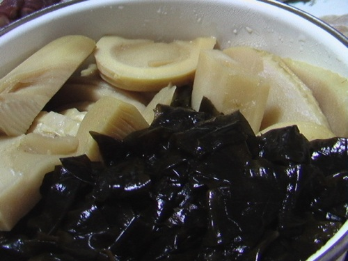 simmered takenoko with wakame